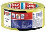 TESA® 60760 VYZNAČOVACIA ŽLTO/ČIERNA Podlahová vyznačovacia páska je tuhá páska s nosičom z mäkčeného PVC s agresívnym lepidlom z gumovej živice, ktorá umožňuje priľnavosť na rôzne povrchy. Páska sa dokonale hodí na trvalé výstražné značenie. Výrobca Tesa.