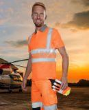 Oranžová hi-vis polokošeľa s krátkym rukávom vyrobené z 55% bavlny a 45% polyesteru s gramážou 150 g/m2 má 2 vertikálne a 2 horizontálne reflexné pruhy na prednom a zadnom dieli.