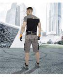 Pánske montérkové šortky do pása vyrobené z kombinácie 60% bavlny a 40% polyesteru. Sú športového štýlu bez opasku v páse na gumu so širokými pútkami, vreckom na skladací meter, bočnými multifunkčnými vreckami s pútkom na skrutkovač v dĺžke po kolená. Kontrastné oranžové prešívanie s reflexnými pruhmi, 2 postrannými a 2 zadnými vreckami s príklopom.
