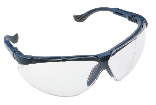 Bestseller číre ochranné okuliare tvorené odolným plastovým rámom s  nastaviteľnou dĺžkou postranníc a tvrdeným polykarbonátovým zorníkom 398b1a15e4b